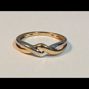 10K Gold Two Tone Twisted Crossover Ring , Size 7